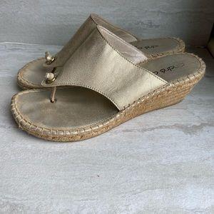 Andre assous Alyssa gold espadrille thong sandals